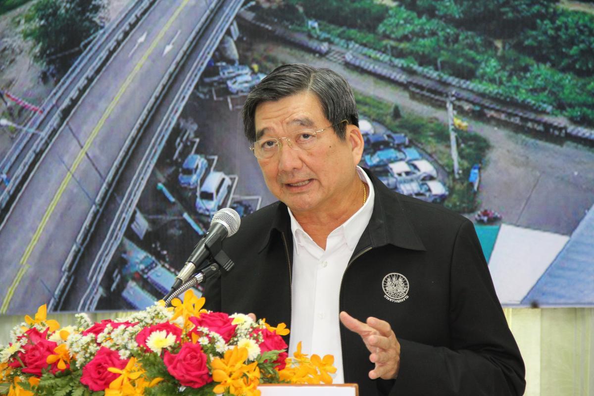 รมว.แรงงานลงพื้นที่แม่สอดติดตามขับเคลื่อนงานพัฒนาเขตเศรษฐกิจพิเศษตาก เตรียมความพร้อมกำลังเเรงงานทั้งไทยเเละแรงงานต่างด้าว เพื่อให้เพียงต่อความต้องการของตลาดเเรงงานในเขตเศรษฐกิจพิเศษ